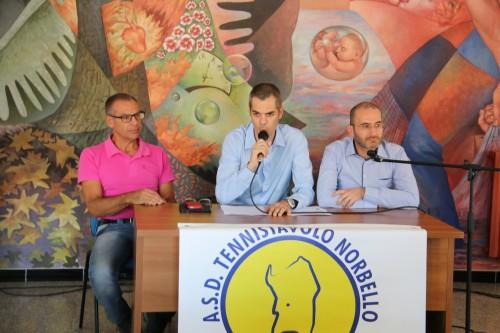 Al centro il presidente Simone Carrucciu assieme al sindaco Antonio Pinna e il vice sindaco Antonello Medde (Foto Gianluca Piu)